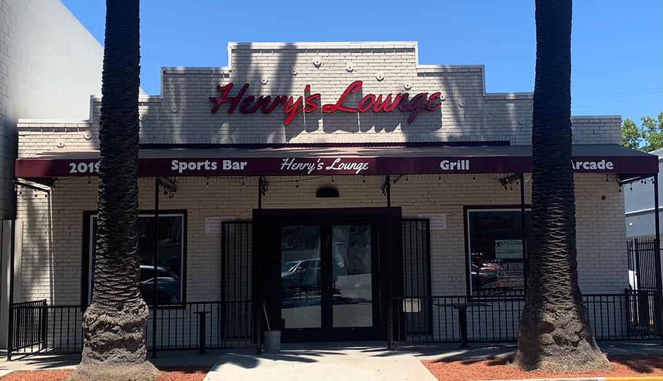 Henry's Lounge